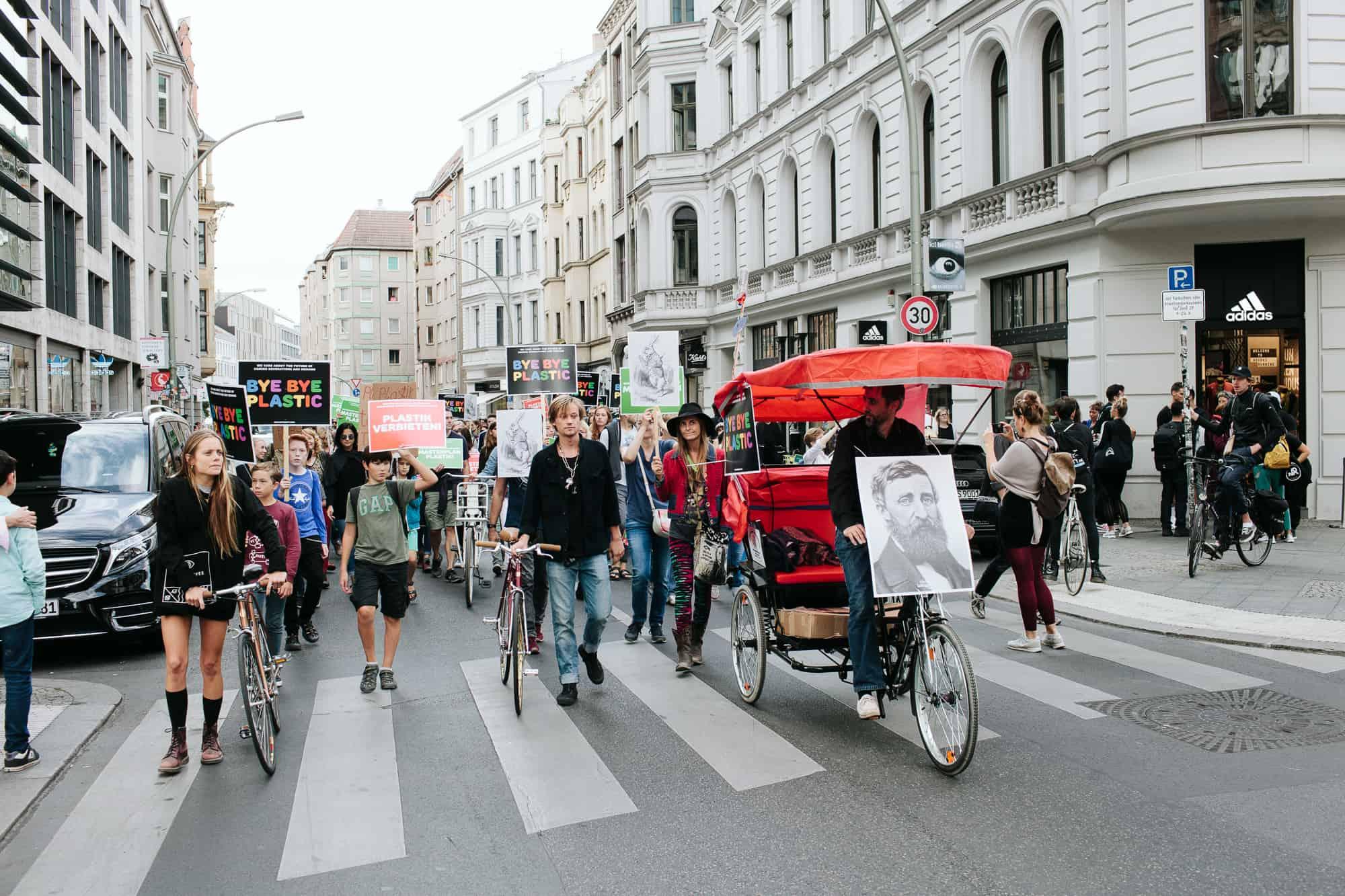 Demo gegen Plastik Berlin